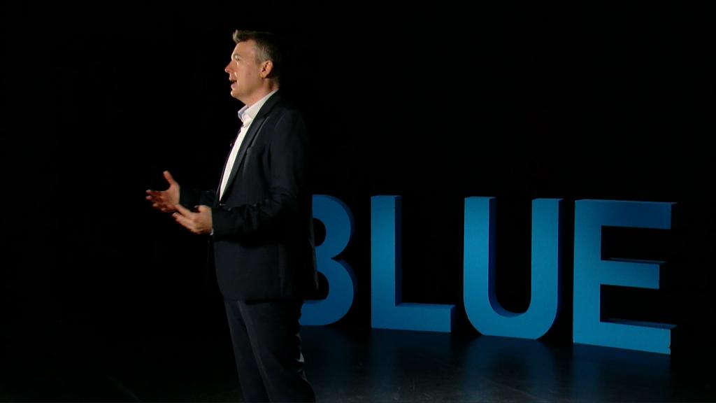 Toldi Gábor előad a BLUE konferencián